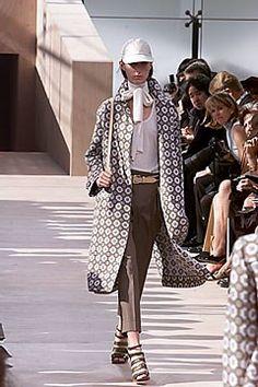 c60df3189d25 Louis Vuitton Spring 2000 Ready-to-Wear Fashion Show