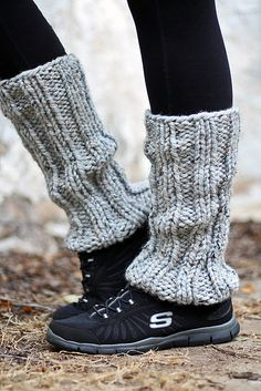 Crochet Leg Warmers, Knit Crochet, Loom Knitting, Knitting Patterns, Lion Brand Wool Ease, Boot Cuffs, Boot Socks, Knit In The Round, How To Purl Knit
