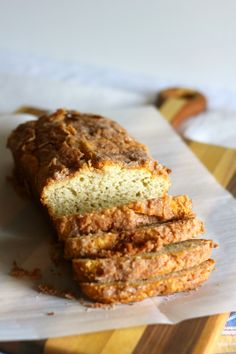 Oh my yumminess! Cream Cheese Banana Bread with Cinnamon Crumb Topping. Another to add to my banana bread recipes.