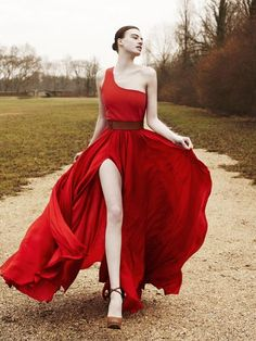 Red poppy toga.....if i ever do the wedding thing...this instead:)