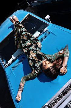 Retro car and dress models photoshoot Retro car and dress Car Photography, Photography Women, Models Men, Car Poses, Mini Car, Virtual Fashion, Fashion Photography Inspiration, How To Pose, Car Girls
