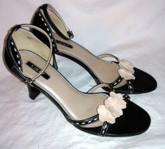 PRICE DROP - FIONI SHOES - Black w/ Cream Floral accents - Strappy High Heels Sz 10M 10 M #Fioni #Strappy
