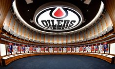 The new dressing room Power Wallpaper, Hipster Wallpaper, Edmonton Oilers, Nhl Hockey Jerseys, Hockey Players, Sports Personality, National Hockey League, Alberta Canada, Dressing Room