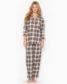 Ralph Lauren offers luxury and designer men's and women's clothing, kids' clothing, and baby clothes. Flannel Pajamas, Cotton Pyjamas, Plaid Flannel, Robes Ralph Lauren, Petite Sleepwear, Womens Pyjama Sets, Pajamas Women, Fall Winter Outfits, Pajama Set