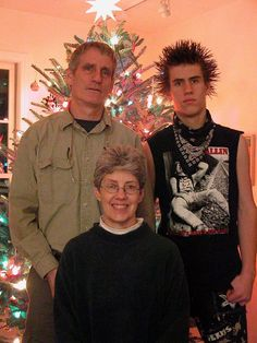 Awkward Family Photos, Hair Raising, Weird And Wonderful, Other People, Christmas Sweaters, Punk, Fashion, Growing Out Hair, Moda