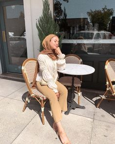 That brunch glow ✨ Modest Fashion Hijab, Modern Hijab Fashion, Modesty Fashion, Hijab Fashion Inspiration, Fashion Outfits, Modest Outfits Muslim, Modest Clothing, Emo Fashion, Picnic Outfits