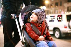 Grows with Baby from newborn to tired toddler, with a weight capacity of 45lbs! Stokke Scoot stroller brings big smiles.