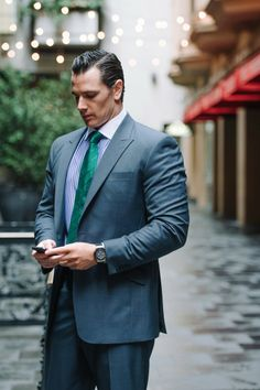 Nothing says power dressing like white collar shirts. But more so, white collar shirts in their formality and stylishness are a nod to a bygone 'polite' era Power Dressing, Collar Shirts, Suit Jacket, Classy, Mens Fashion, Suits, Vienna, Men's Style, Jackets