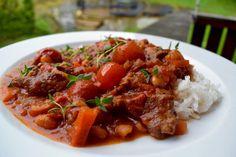 Chili con Carne betyr oversatt til Norsk chili med kjøtt. Retten har sin bakgrunn fra det Mexicanske kjøkken, men er mest kjent fra Texas. Dette er en billig og veldig god middag. Jeg synes det be…