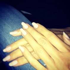 heidi klum instagram - hands