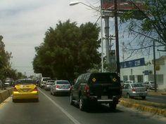 Asi se ve el trafico en lopez mateos s-n a la altura de la calma  10/05/2012