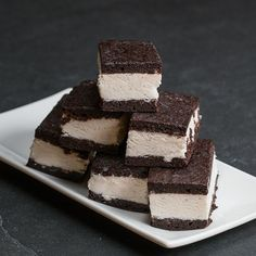 Brownie Ice Cream Sandwiches Recipe by TastyHere's what you need: chocolate fudge brownie mix, ice creamBrownie Ice Cream Sandwiches - try replacing water in brownie mix with cold, brewed coffee. Roll edges of ice cream sandwich in mini chocolate chi Ice Cream Desserts, Frozen Desserts, Ice Cream Recipes, Just Desserts, Delicious Desserts, Dessert Recipes, Yummy Food, Frozen Treats, Brownie Recipes
