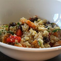 This Sweet Potato Quinoa takes one of our favorite ingredients and adds one of the tastiest fall and winter additions: sweet potatoes!