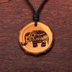 Elefant - Ketten Holzschmuck aus Naturholz / Anhänger Wooden Earrings, Designer Earrings, Abs, Pendant Necklace, Vegan, Jewelry, Wooden Key Holder, Key Hangers, Blue Prints