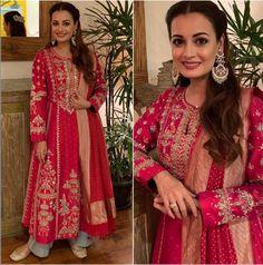 Wedding Trousseau Ideas From Bollywood Celebrities' Diwali Outfits Designer Bridal Lehenga, Indian Bridal Lehenga, Indian Bridal Wear, Indian Wear, Indian Style, Indian Wedding Fashion, Indian Fashion, Fashion Hub, Fashion Edgy