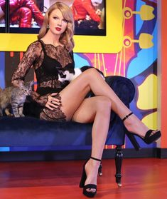 Goddess Taylor showing of her perfect legs in sexy black high heels and see through dress Taylor Swift Hot, Taylor Swift Country, Estilo Taylor Swift, Taylor Swift Style, Taylor Swift Casual, Pernas Sexy, Taylor Swift Pictures, Female Singers, Beautiful Legs