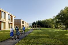 Completed in 2015 in Graz, Austria. Images by Paul Ott, Helmut Pierer. A residential care home for 105 elderly residents has been constructed on Statteggerstraße in Graz on a park-like plot in the immediate vicinity of. Passive House, Ground Floor Plan, Healthcare Design, Elderly Care, Senior Living, New Age, Location, Floor Plans, Construction
