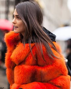 A collection of street style photos which you might love and inspire your own fashion. Fashion Photo, Fashion Looks, Paris Fashion, Aw17, Street Photography, Fur Coat, Women Wear, Street Style, Chic