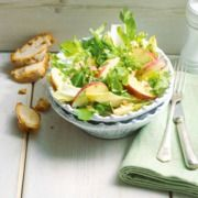 Frisse rucola-witlofsalade met peterseliedressing