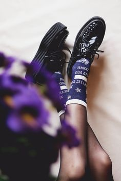 Estelle Heart - Noël à Poudlard - socks, creepers, Harry Potter, Fantastic Beasts and Where to Find Them, fond d'écran, Hogwarts, Les Animaux Fantastiques, Morgane Brret, Noël, Christmas, pin's, Poudlar, wallpaper