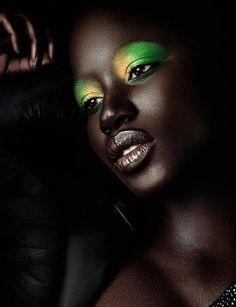 Ebony μαύρη γυναίκα