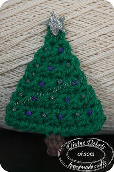 Crochet Christmas tree applique by Divine Debris