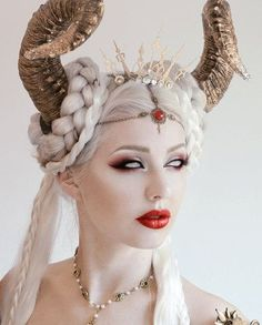 she might wear horns in her hair.Clock tiara by Fairytas on Etsy, Fx Makeup, Hair Makeup, Queen Makeup, Makeup Hairstyle, Hairstyle Ideas, Hair Ideas, Makeup Inspiration, Character Inspiration, Avant Garde Hair