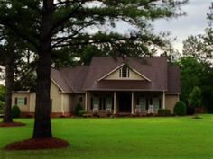 Looking for an immaculate home in an established neighborhood? This single family home offers the convenience of being close to the city of Vidalia while living comfortably in the county subdivision of Pinewood. This home offers many upscale amenities; including an large den which includes a gas fireplace, a formal dining room, along with a large upstairs bonus room that could be used as an office or gaming room. This home also includes hardwood flooring, partial carpeting, and tile ...