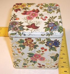 Vtg. Made in England Tin Designed by Daher container box Floral des. hinged lid