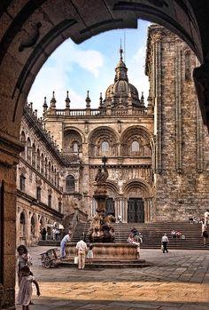 Hacer el camino para finalmente deleitarme con Santiago de Compostela's Cathedral, #Spain