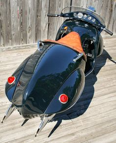 Art Deco 1930 Henderson Motorcycle - The Courtney Streamliner, 'Power Hammer', by O. Ray Courtney. stick shift.