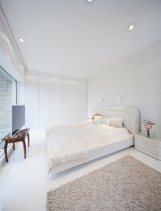 Chambre à coucher à la déco presqu'inexistante