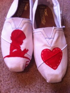 Custom Toms Shoes/ St Jude Childrens Hospital by CustomTOMSbyJC, $85.00 no really im buying these.