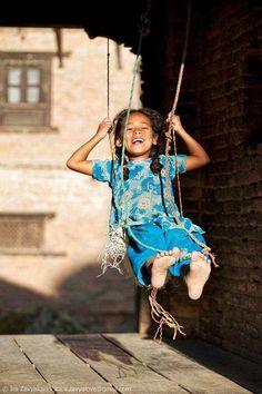 Swing - Wow, I'm flying! by Irina Zavyalova, via Nepal, Bhaktapur Beautiful Smile, Beautiful Children, Beautiful People, Kids Around The World, We Are The World, Robert Louis Stevenson, Children Photography, Portrait Photography, Foto Art