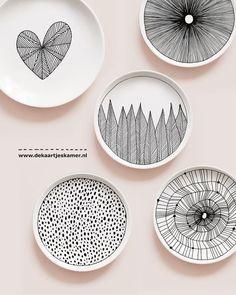 Ceramics Plates interior art 1,302 vind-ik-leuks, 19 reacties - De Kaartjes Kamer (@de_kaartjes_kamer) op Instagram: 'We hebben een WINNAAR... GEFELICITEERD @lotjes_kiekjes Jij hebt 2 kleine bordjes naar keuze…'