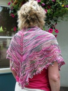 LIndsay's Holden Shawlette, Knits, Crochet Top, Knitting, Projects, Blog, Tops, Women, Fashion, Log Projects
