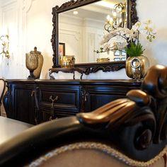 Please DM for your inquiries.   Modelimiz hakkında detaylı bilgi ve fiyatlar için bize DM yoluyla ulaşabilirsiniz...   Showroom / İstanbul / Masko / Modoko /Kozyatağı / Florya⠀  #miragemobilya #mobilya #yemekodası #diningroom #dinnerroomdesign #dinnerchair #yemekodasıtakımı #interiordecoration #luxuryfurniture Showroom, Entryway Tables, Photo And Video, Furniture, Instagram, Home Decor, Decoration Home, Room Decor, Home Furnishings