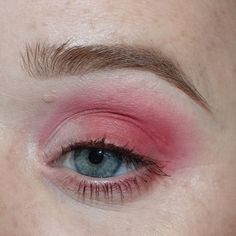 Plumeria Inspired Makeup  LINK IN MY BIO  products used: ______ @nyxcosmetics ultimate brights @colourpopcosmetics pressed shadows / stay golden @lorealmakeup voluminous mascara @anastasiabeverlyhills modern renaissance palette / tempera ______ #makeup #mua #makeupartist #makeupartistry #mue #makeupenthusiast #beauty #beautyblog #beautyblogger #instaglam #igmuas #instamakeup #ilovemakeup #makeupaddict #makeupaddiction #makeuplove #makeuplook #makeuplover #makeupjunkie #muafollowtrain ...