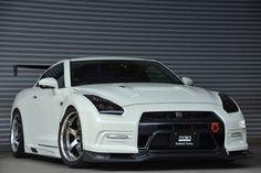 Nissan GTR I like - http://extreme-modified.com/