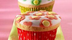 Cupcakes met retro bloemetjes