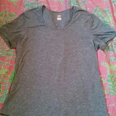 Lucy tech shirt Really nice! Lucy Tops Tees - Short Sleeve
