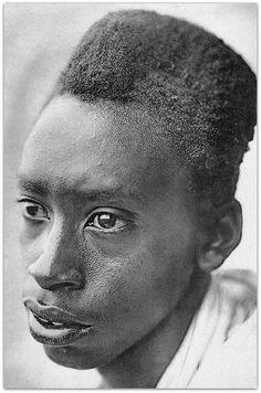 Artagence Coiffure Africaine Ethnik Rwanda / Burundi - Amasunzu #artagence