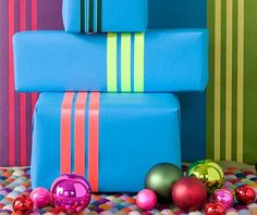 #PANDORAloves this easy idea to use ribbon to make simple stripes #gift #present #wrapping