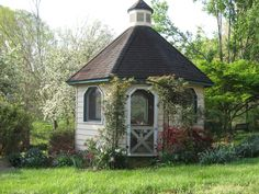 Today I saw a house that had a gazebo like this in the backyard. Closed in, with a wood stove for winter and a ceiling fan for summer and windows all around. Study, reading room, knitting room, art room... paradise room.
