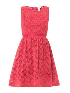 This raspberry-pink daisy cotton-lace sleeveless dress has a round-neck and a matching grosgrain waist-belt with a centre-back concealed zip fastening is a elegant look to any ocassion.