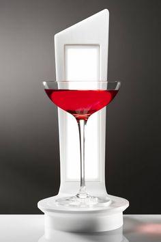 WineOLED: innovative wireless lamp in HI-MACS® for wine lovers. ©Tiziana Arici