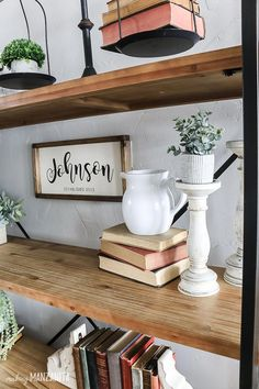 Vintage Farmhouse Decor Wondering how to style bookshelves in your living room? You'll love this article with shelf styling tips and tricks so you can easily decorate shelves in your house that look like a designer did it! Rustic Kitchen Tables, Farmhouse Style Kitchen, Modern Farmhouse Kitchens, Farmhouse Decor, Kitchen Decor, Living Room Remodel, Living Room Decor, Decorating Living Room Shelves, Decorating Apps