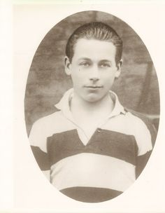 Death Penalty for 18 yr old Kevin Barry Irish War of Independence. Kevin Barry became active as a soldier in Dublin as a 15 year old lad.  At age 18 Kevin Barry is caught by the British Soldiers and receives the Death Penalty. He is hanged in MountJoy Jail in November 1920.