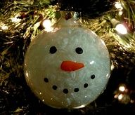 DIY - Snowman Ornament - I have done these with my kids and they are so easy and ADOREABLE!