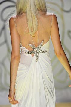 beautiful beach wedding dress @Whitney Clark Clark Morgan  If you ever decided to have a wedding ceremony